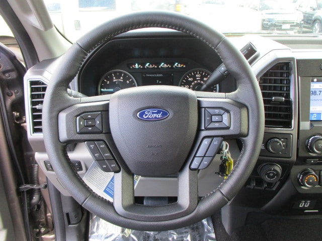2018 F-150 SuperCrew Cab 4x4, Pickup #289562T - photo 15