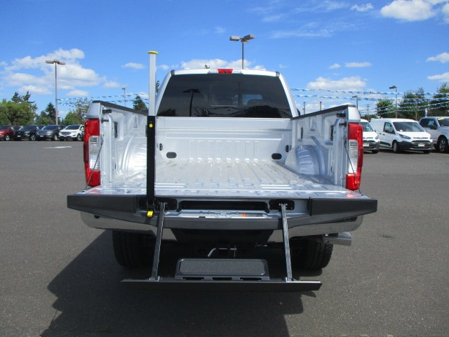 2018 F-350 Crew Cab 4x4,  Pickup #289739 - photo 8
