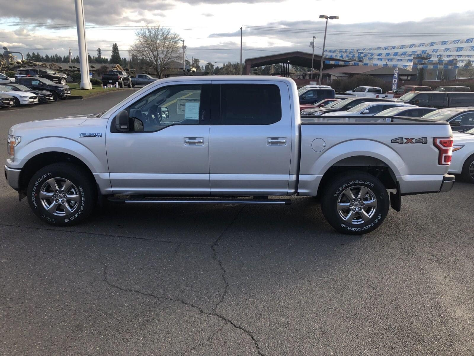 2019 F-150 SuperCrew Cab 4x4,  Pickup #299610 - photo 17