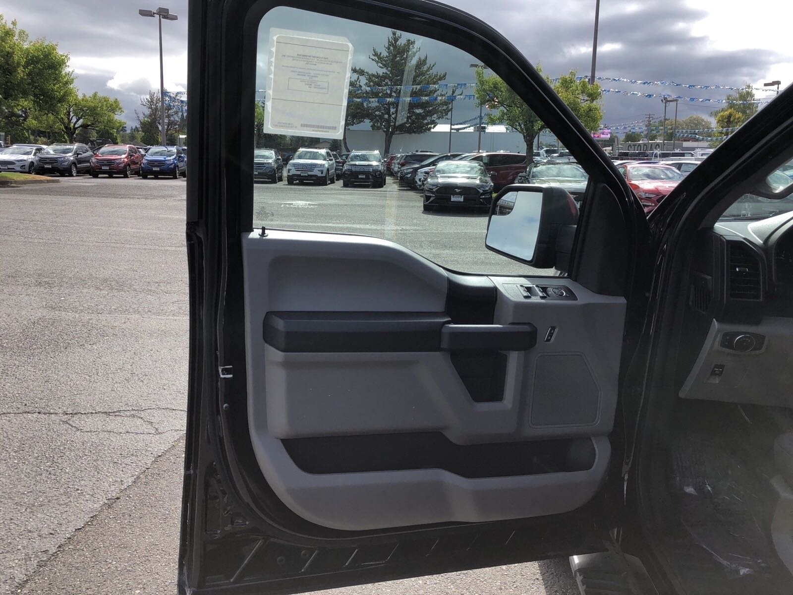 2019 F-150 SuperCrew Cab 4x4,  Pickup #299635 - photo 13