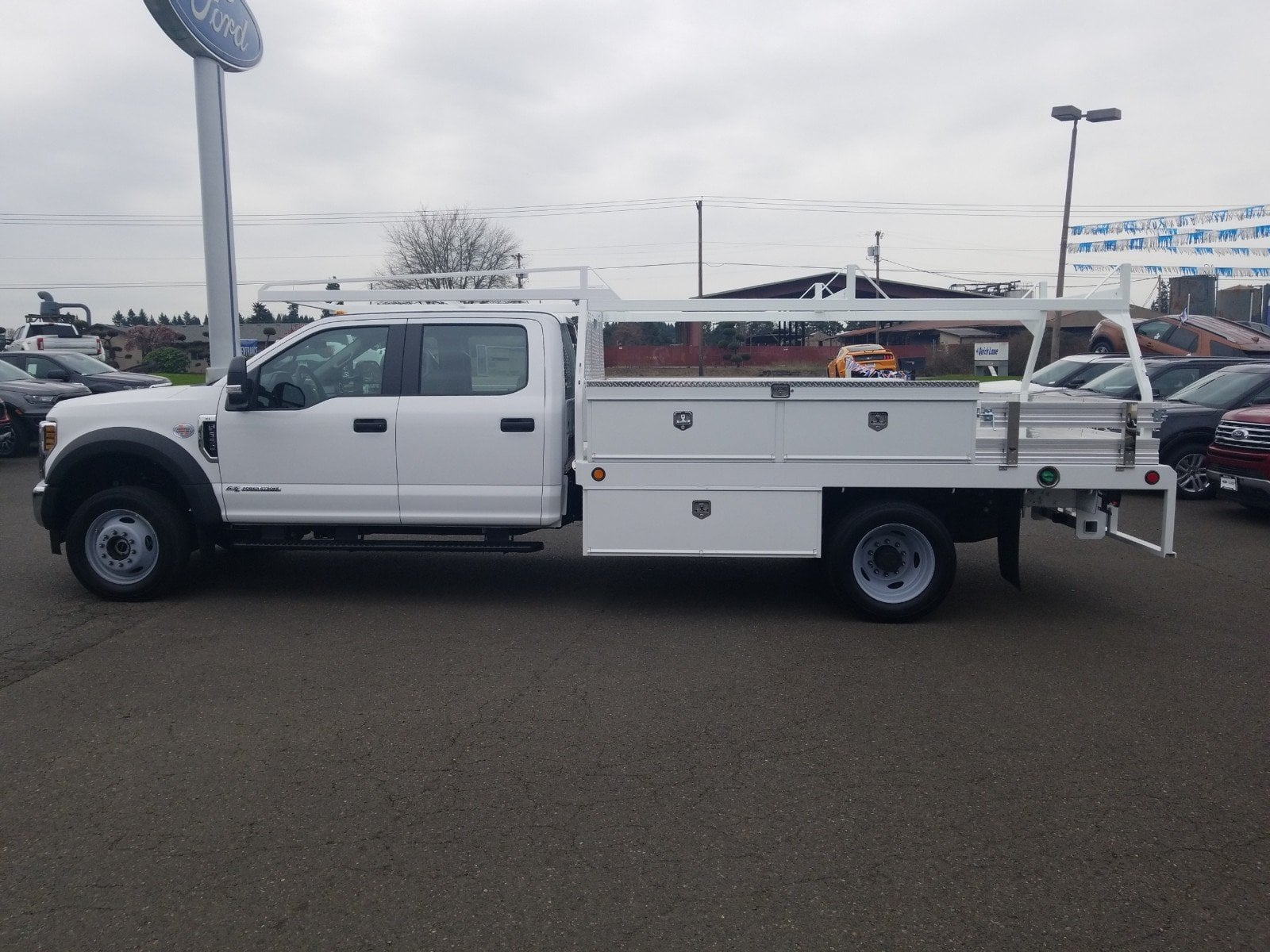 2019 F-550 Crew Cab DRW 4x4,  Scelzi Contractor Body #299673 - photo 4