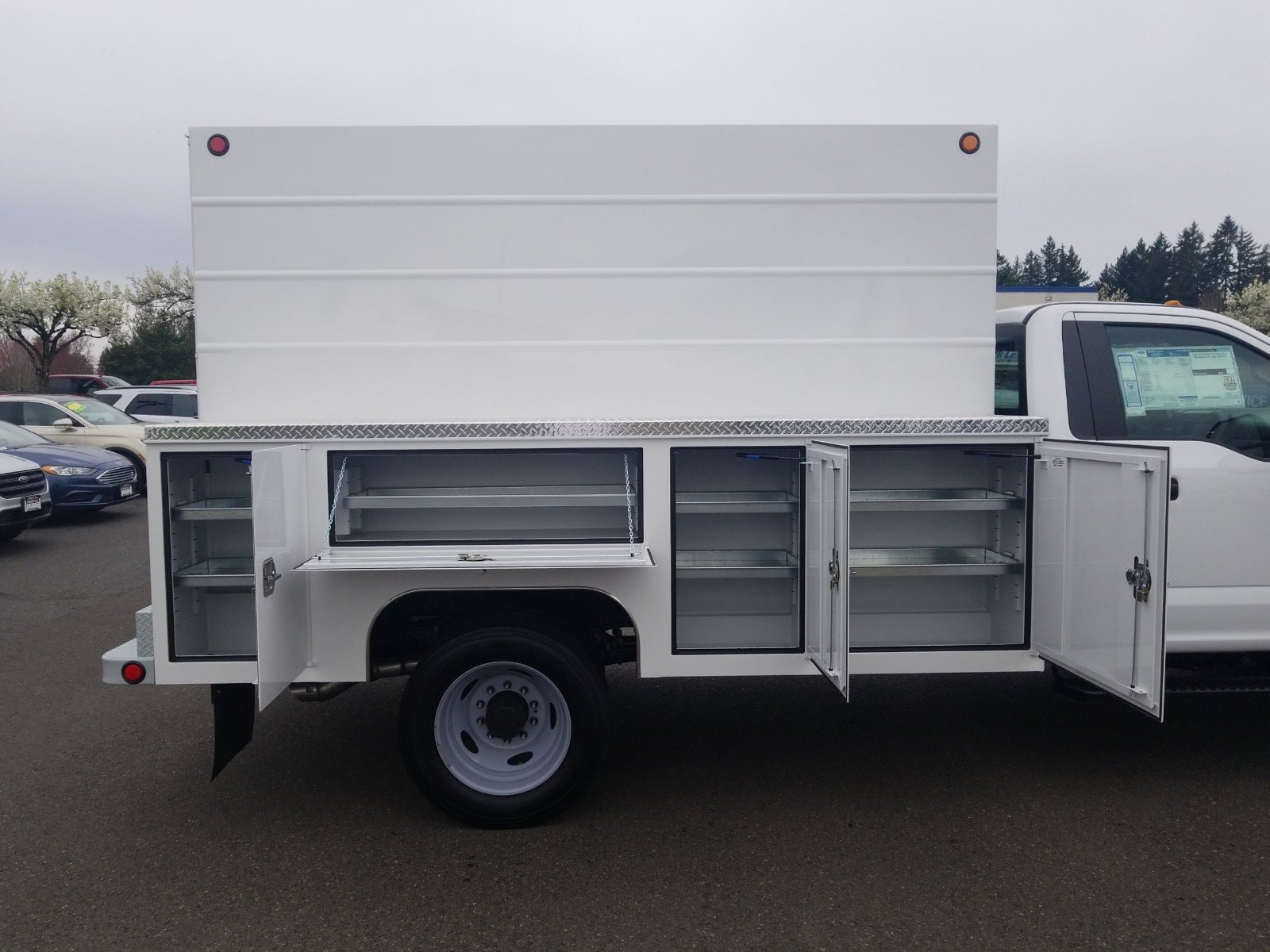 2019 F-550 Regular Cab DRW 4x2, Scelzi Service Body #299674 - photo 1