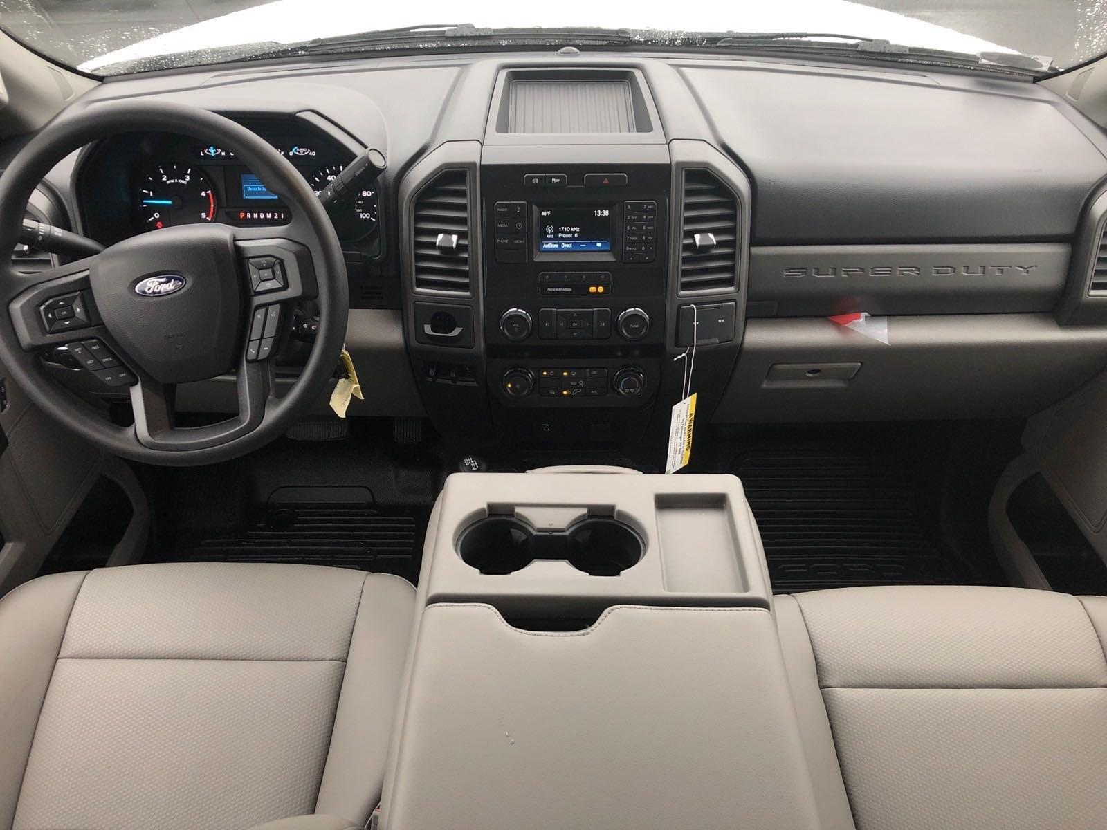 2019 F-550 Super Cab DRW 4x4, Contractor Body #299961 - photo 16
