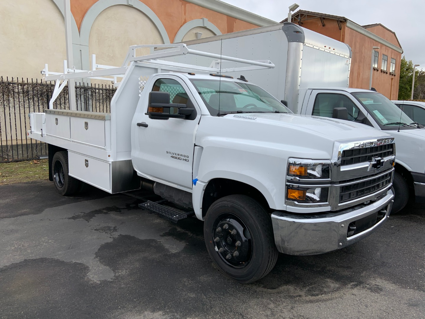 2019 Silverado 4500 Regular Cab DRW 4x2, Harbor Contractor Body #19364 - photo 1