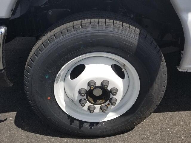 2019 E-350 4x2,  Morgan Parcel Aluminum Cutaway Van #19F414 - photo 10