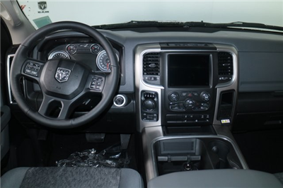 2018 Ram 1500 Crew Cab 4x4, Pickup #N68022 - photo 30
