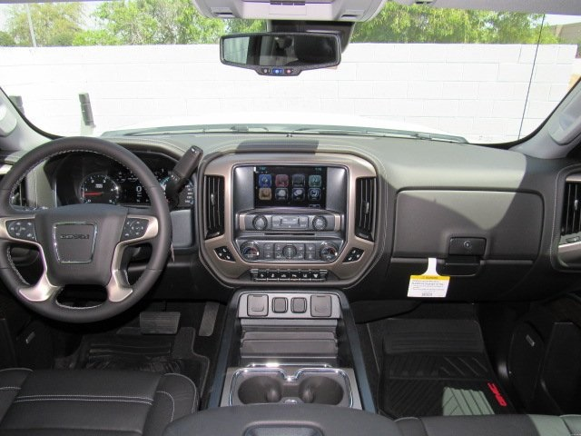 2018 Sierra 2500 Crew Cab 4x4, Pickup #18402 - photo 26