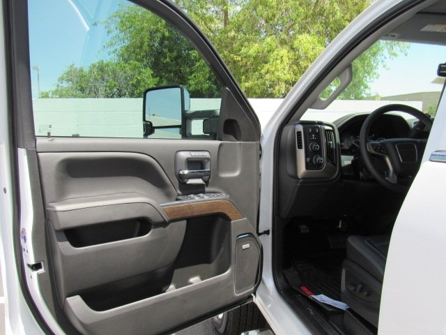 2018 Sierra 2500 Crew Cab 4x4, Pickup #18402 - photo 35