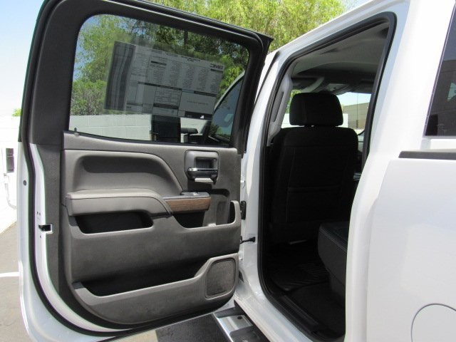 2018 Sierra 2500 Crew Cab 4x4, Pickup #18402 - photo 37