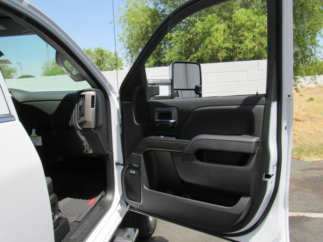 2018 Sierra 2500 Crew Cab 4x4, Pickup #18402 - photo 38