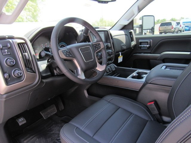 2018 Sierra 2500 Crew Cab 4x4, Pickup #18402 - photo 9