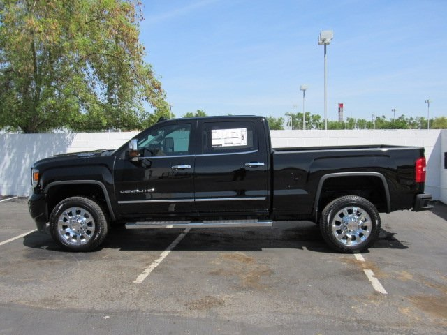 2018 Sierra 2500 Crew Cab 4x4, Pickup #D18385 - photo 5