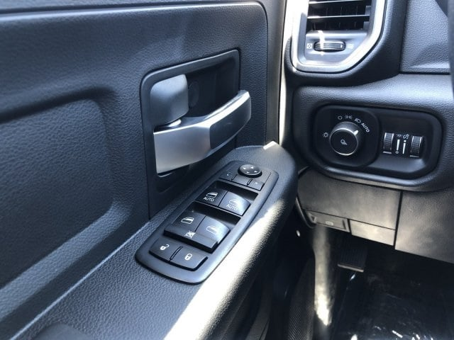 2019 Ram 3500 Crew Cab 4x4, Pickup #KG582341 - photo 16