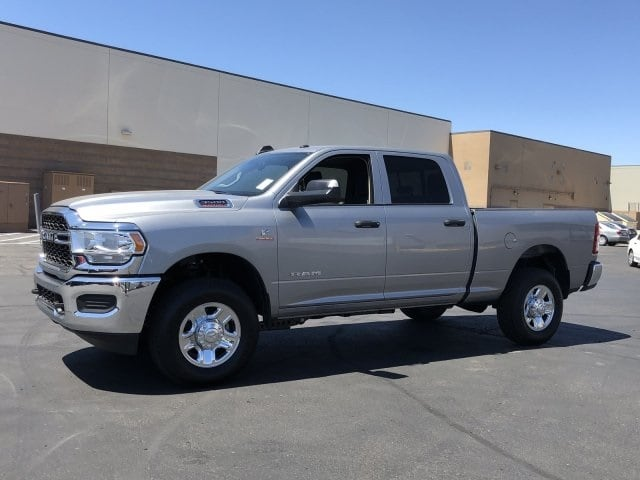 2019 Ram 3500 Crew Cab 4x4, Pickup #KG582341 - photo 3