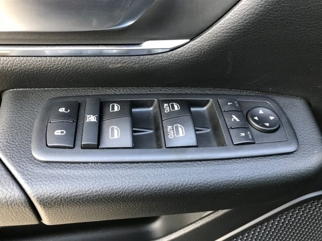 2019 Ram 1500 Crew Cab 4x2,  Pickup #KN617434 - photo 10
