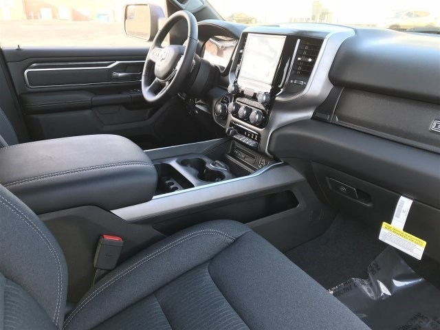 2019 Ram 1500 Crew Cab 4x2,  Pickup #KN617434 - photo 5