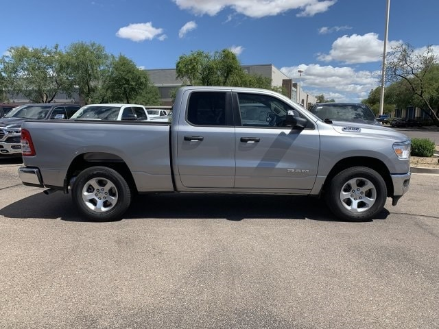 2019 Ram 1500 Quad Cab 4x2,  Pickup #KN666207 - photo 3