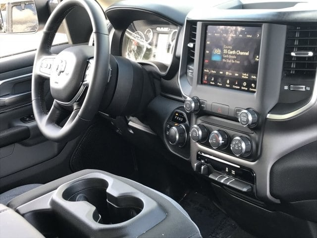 2019 Ram 1500 Crew Cab 4x4,  Pickup #KN698524 - photo 6