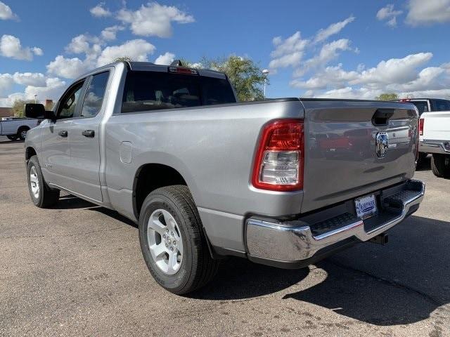 2019 Ram 1500 Quad Cab 4x2, Pickup #KN737904 - photo 3