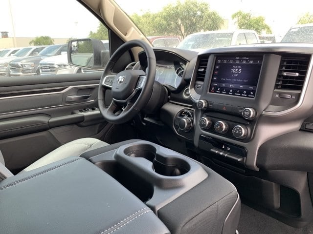 2019 Ram 1500 Crew Cab 4x2,  Pickup #KN798090 - photo 11