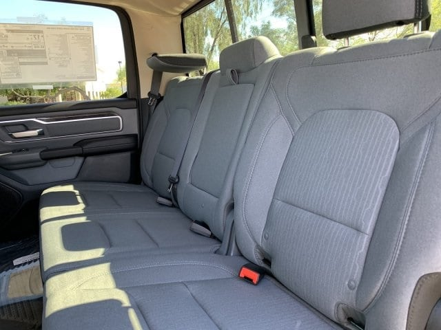 2019 Ram 1500 Crew Cab 4x2, Pickup #KN828382 - photo 7