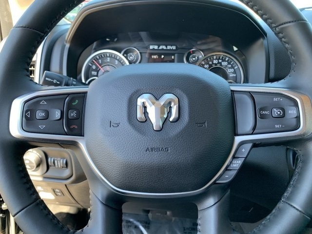 2019 Ram 1500 Crew Cab 4x2, Pickup #KN828382 - photo 13