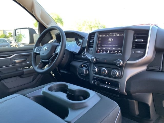 2019 Ram 1500 Crew Cab 4x2, Pickup #KN828382 - photo 5