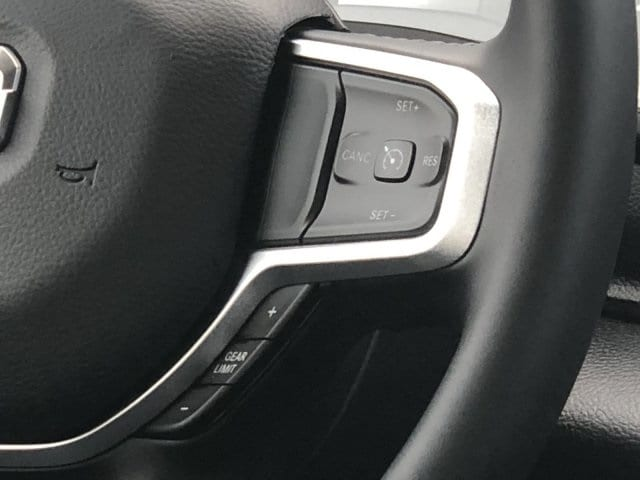 2019 Ram 1500 Crew Cab 4x2,  Pickup #KN828397 - photo 18