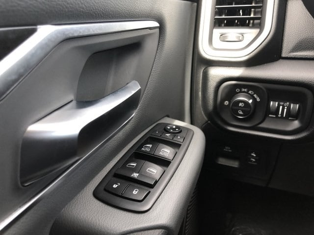 2019 Ram 1500 Crew Cab 4x2,  Pickup #KN828397 - photo 23