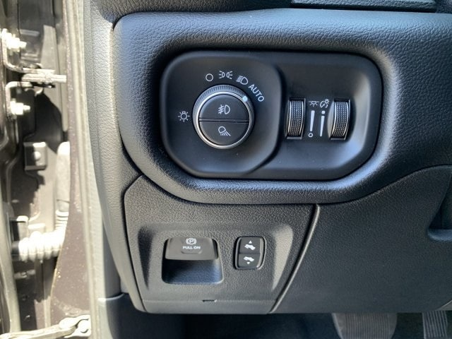 2019 Ram 1500 Quad Cab 4x2, Pickup #KN828487 - photo 19
