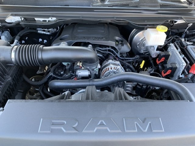 2019 Ram 1500 Crew Cab 4x4, Pickup #KN832400 - photo 7