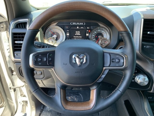 2019 Ram 1500 Crew Cab 4x4, Pickup #KN832400 - photo 25