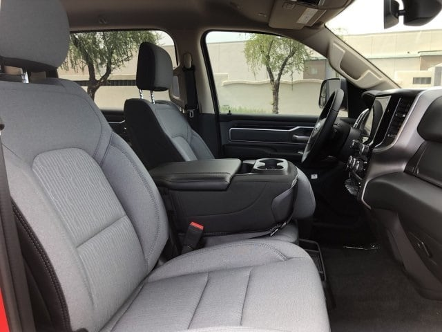 2019 Ram 1500 Crew Cab 4x4, Pickup #KN857994 - photo 8