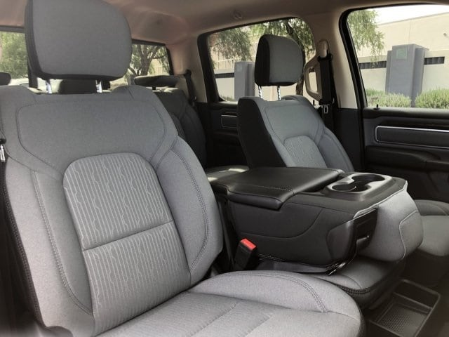 2019 Ram 1500 Crew Cab 4x4, Pickup #KN857994 - photo 10