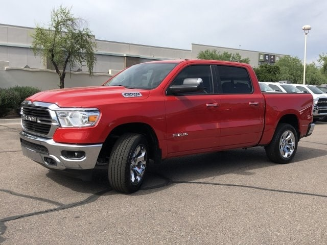 2019 Ram 1500 Crew Cab 4x4, Pickup #KN857994 - photo 3