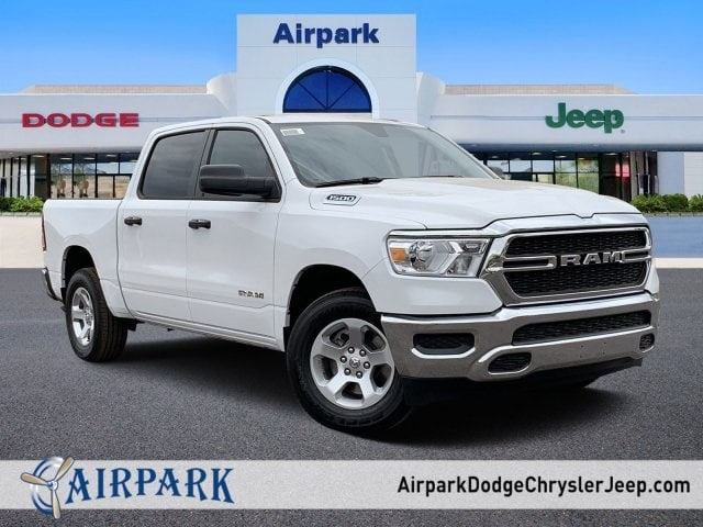 2019 Ram 1500 Crew Cab 4x2, Pickup #KN864910 - photo 1