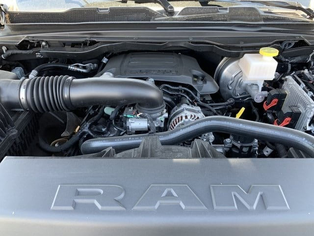 2019 Ram 1500 Crew Cab 4x4,  Pickup #KN867114 - photo 10