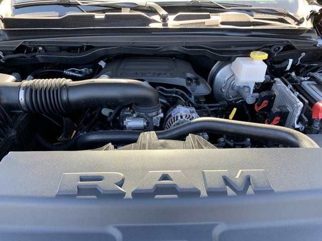 2019 Ram 1500 Crew Cab 4x4, Pickup #KN913577 - photo 10