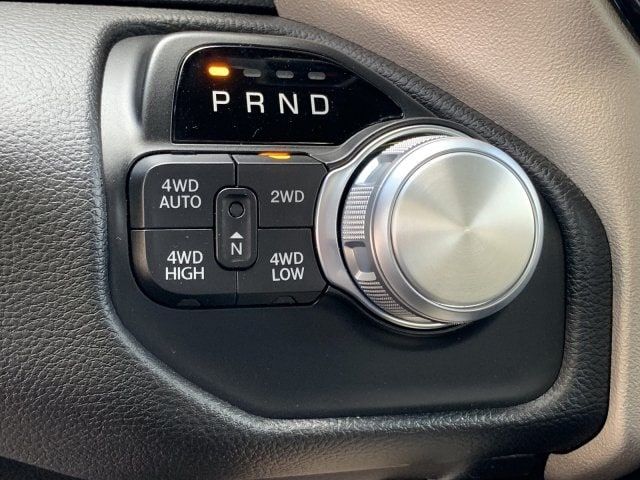 2019 Ram 1500 Crew Cab 4x4,  Pickup #KN921992 - photo 17