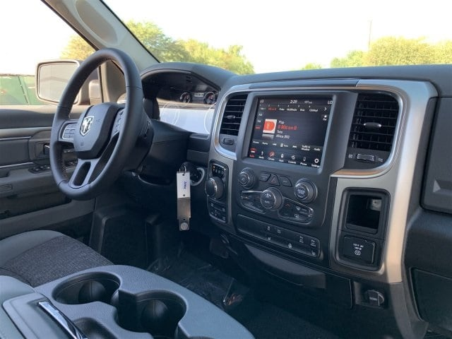 2019 Ram 1500 Crew Cab 4x4,  Pickup #KS560834 - photo 5