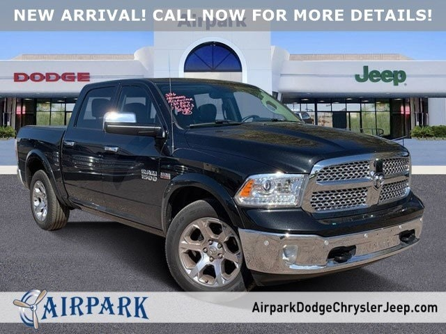 2017 Ram 1500 Crew Cab 4x4, Pickup #LG107378A - photo 1
