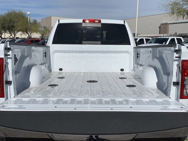 2020 Ram 3500 Crew Cab DRW 4x4, Pickup #LG154677 - photo 12
