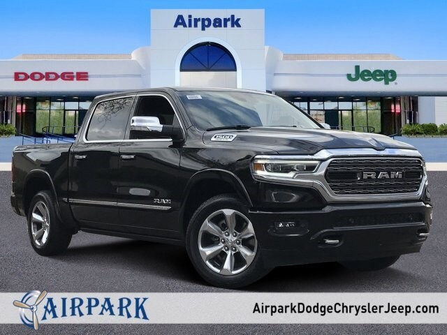 2020 Ram 1500 Crew Cab 4x2, Pickup #LN191694 - photo 1