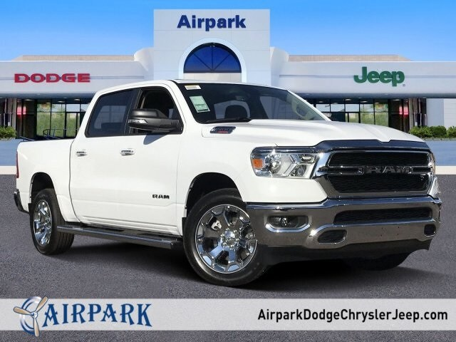 2020 Ram 1500 Crew Cab 4x2, Pickup #LN246359 - photo 1
