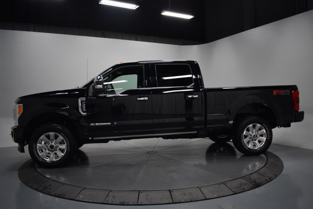 2017 F-250 Crew Cab 4x4, Pickup #T4137 - photo 6