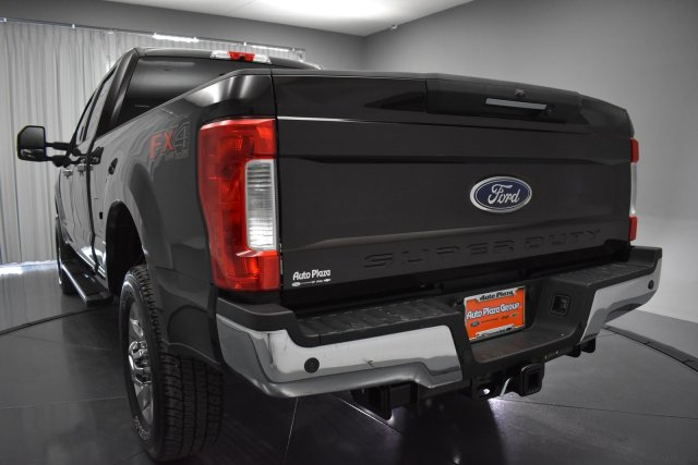 2018 F-250 Crew Cab 4x4, Pickup #T4352 - photo 4