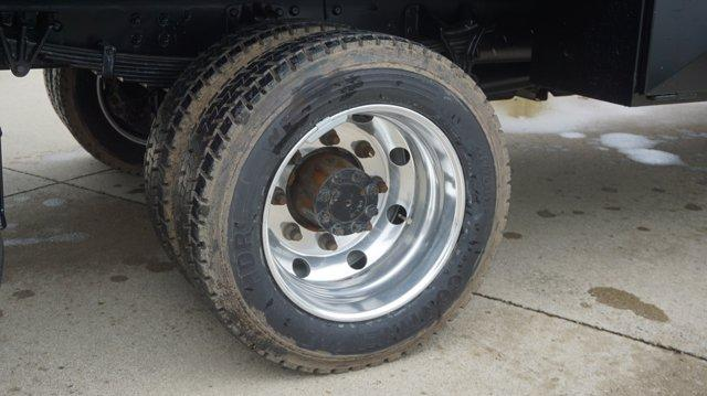 2019 Chevrolet Silverado Medium Duty Crew Cab DRW 4x4, Knapheide Concrete Concrete Body #K71887 - photo 19