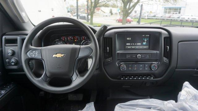 2019 Chevrolet Silverado Medium Duty Crew Cab DRW 4x4, Knapheide Concrete Concrete Body #K71887 - photo 7
