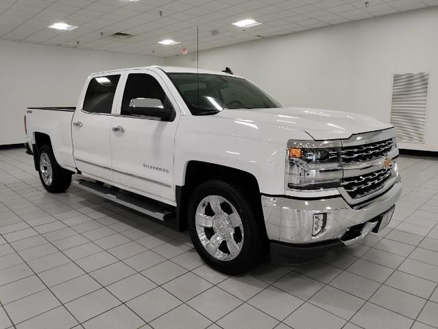 2017 Chevrolet Silverado 1500 Crew Cab 4x4, Pickup #1R1924 - photo 2