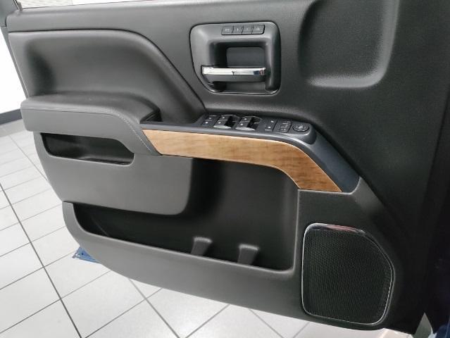 2015 Chevrolet Silverado 1500 Crew Cab 4x4, Pickup #1R1932 - photo 10